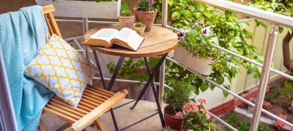 tende e fiori per il tuo balcone